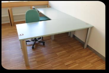Scrivanie e tavoli rivarolo